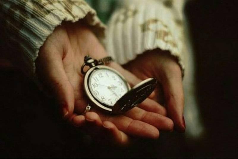 Найдя часы, не торопитесь радоваться, ведь каждый в душе осознает, что хорошая вещь на дороге не будет лежать.